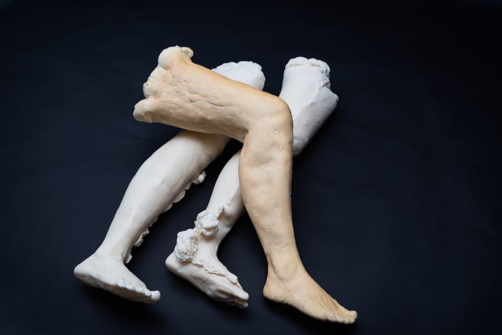 kunst - Ingrid Slaa - beeld - benen - purschuim